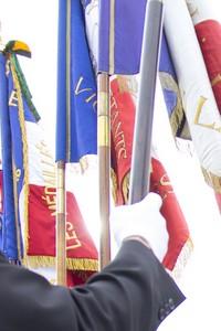 image : drapeaux comémoration - Mont de Marsan