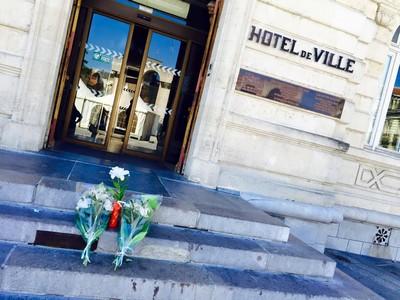 image : Hôtel de Ville de Mont de Marsan - hommage au victimes de Nice Juillet 2016