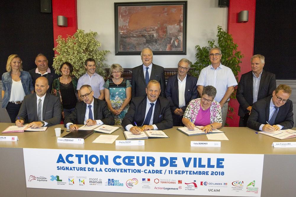 image : Signature des partenaires Action Coeur de Ville - Mont de Marsan