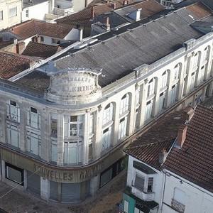 image : vue aérienne des Nouvelles Galeries - Mont de Marsan